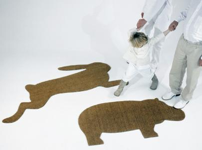 Hare Mat e Hippo Mat são tapetinhos bem diferentes para dar as boas vindas aos amigos.