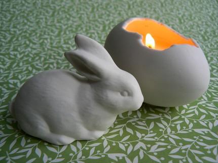 2 velas em casca de ovo de porcelana e coelhinho por $ 12,95