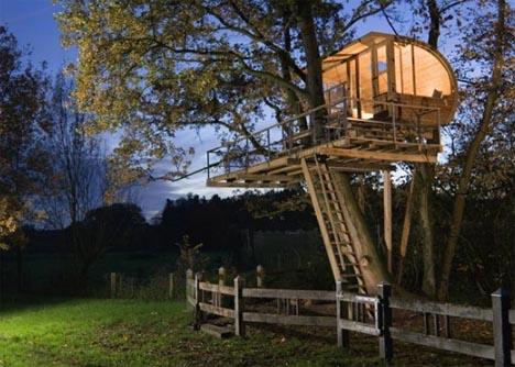tree-house-at-night