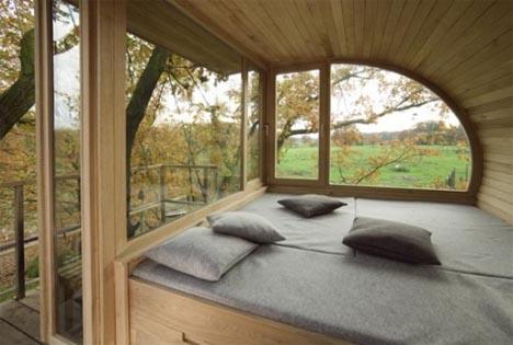 tree-house-interior-view
