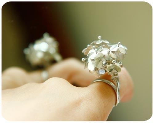blossom ring por $188.00