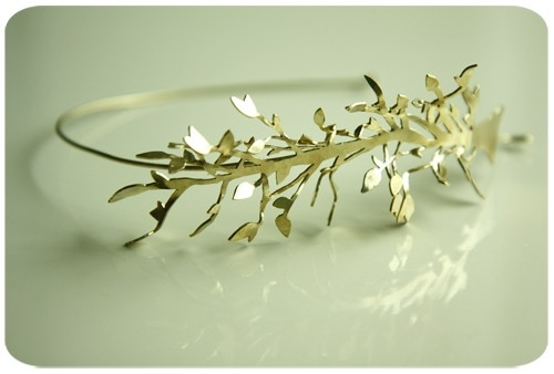 little goddess headband por $128.00