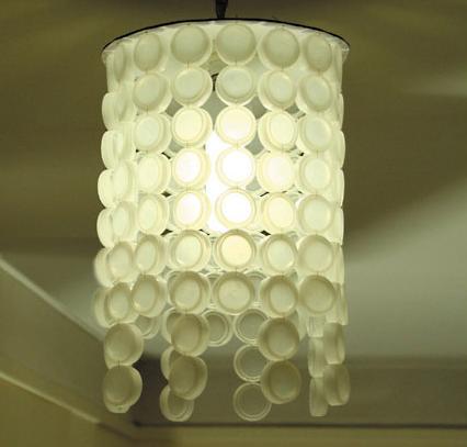 luminária de tampinhas