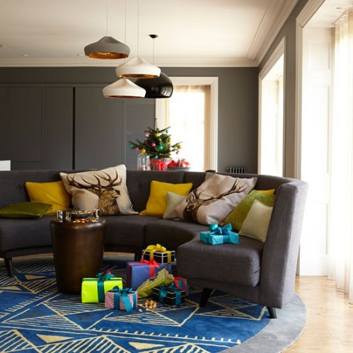Colourful-Christmas-living-room