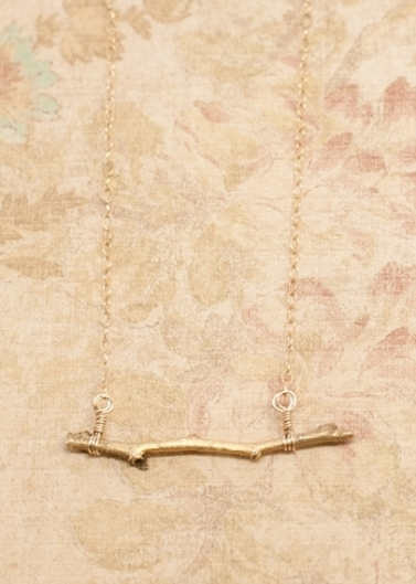 gold_tiny_twig_necklace_01