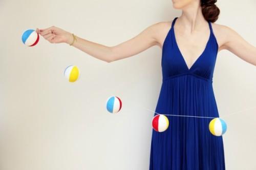 DIY-Beach-Ball-Garlands-Tutorial-600x399