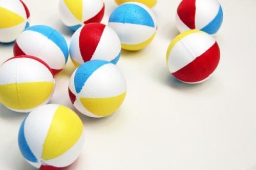 DIY-Beach-Balls-600x399
