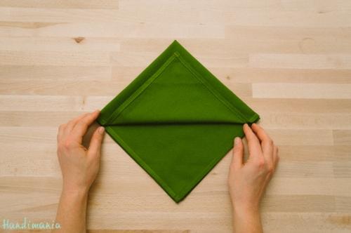christmas-tree-napkin-fold04