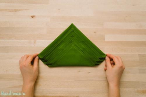 christmas-tree-napkin-fold05