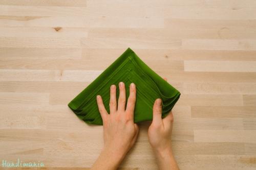 christmas-tree-napkin-fold06