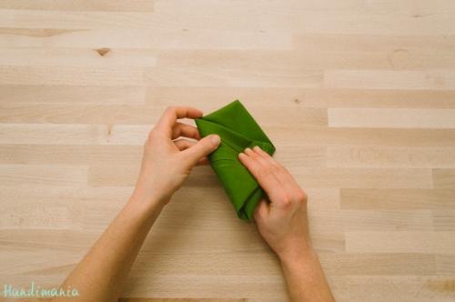christmas-tree-napkin-fold10