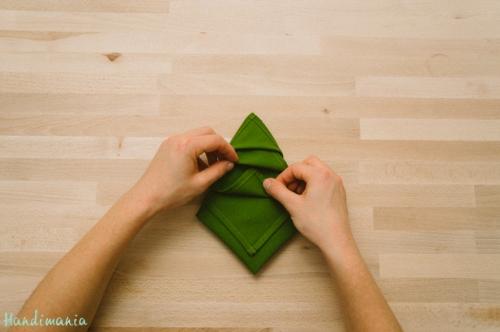 christmas-tree-napkin-fold13