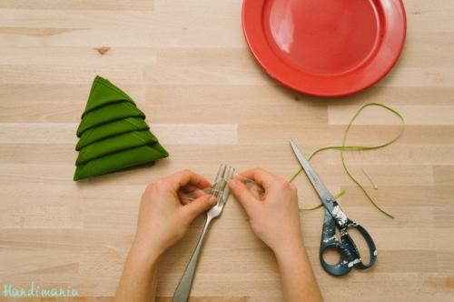 christmas-tree-napkin-fold15