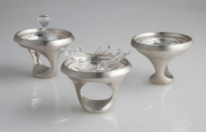 PLINK Collection - SPLASH - PLINK and STASI (silver, plexiglass) de Luisa Bruni