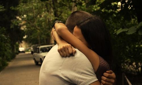 love-hug-wallpaper