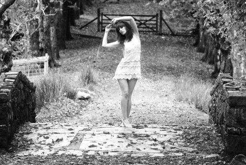 Girl-dancing-dark-autumn_Lies-Thru-a-Lens